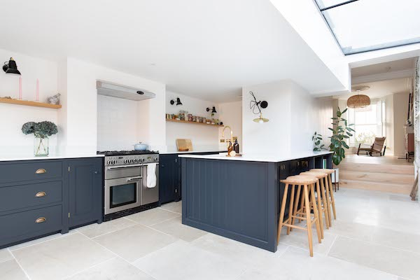 ceramic-tiles-with-white-grout-in-kitchen-of-house-located-on-Green-Lanes