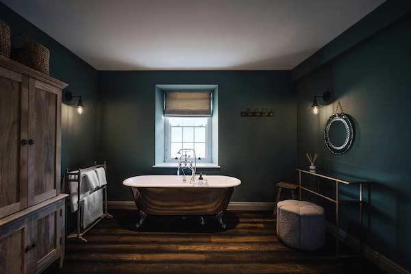 dark-bathroom-tiles