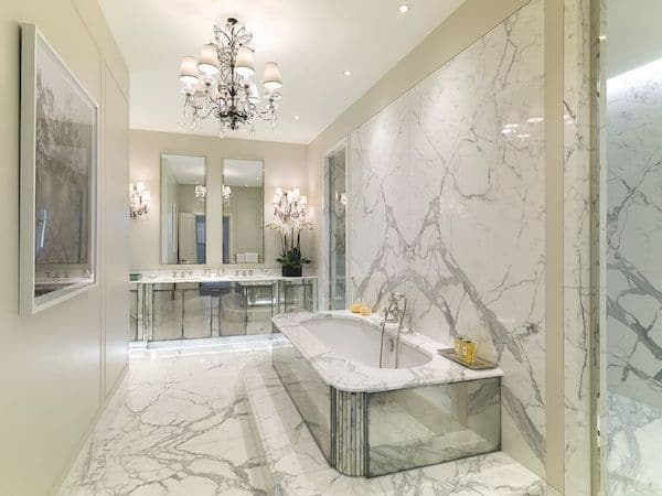 marble-tiles-laid-in-master-bathroom-of-mansion