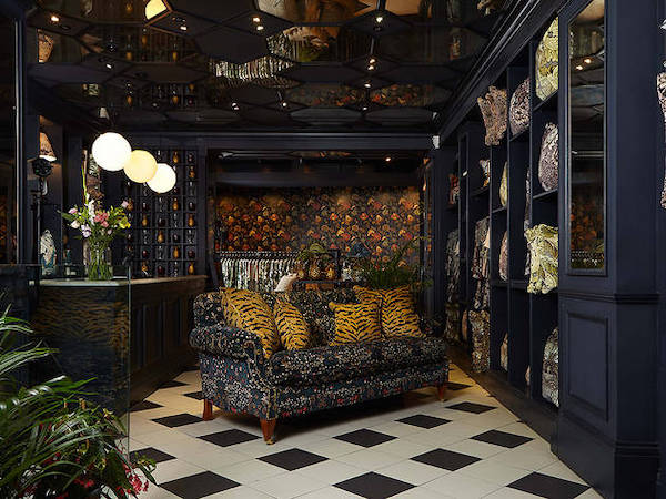 shop-lounge-tiled