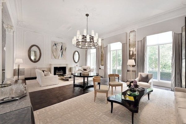 white-painted-living-room-in-mansion